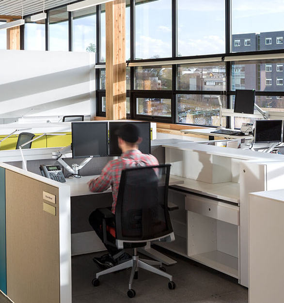 Haworth partnered with MEC to create inter-connected workspaces to ensure collaboration between work teams and high-degree of operational efficiency.