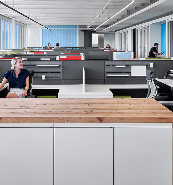 An engaging workspace design encourages natural collaboration and communication. There is space for employees to do focus work, and the new workstations help with workflow and productivity.