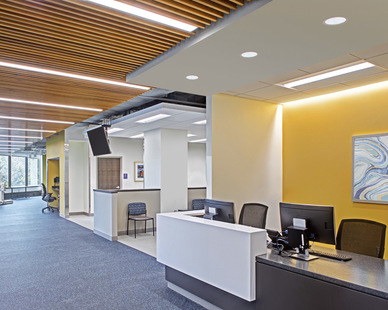 Mix and match lighting fixtures to provide your desired look. Lutherville Medstar's check-in area features our MX4D and L60 luminaires to provide a comfortable environment for patients and guests.