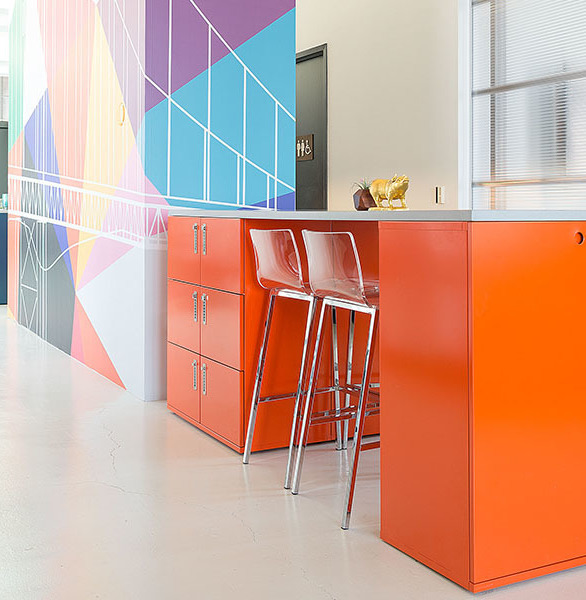 Heartwork designed their workbars to mingle with other designs in the Building Block Collection, the cabinets feature our flush porthole door pulls and frameless design for seamless side-by-side ganging.
