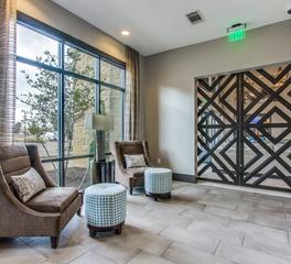 Hensley Lamkin 3535 Bluffs Grapevine TX Lounge