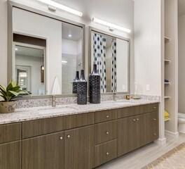 Hensley Lamkin Rachel Oak Grove One Bathroom Design