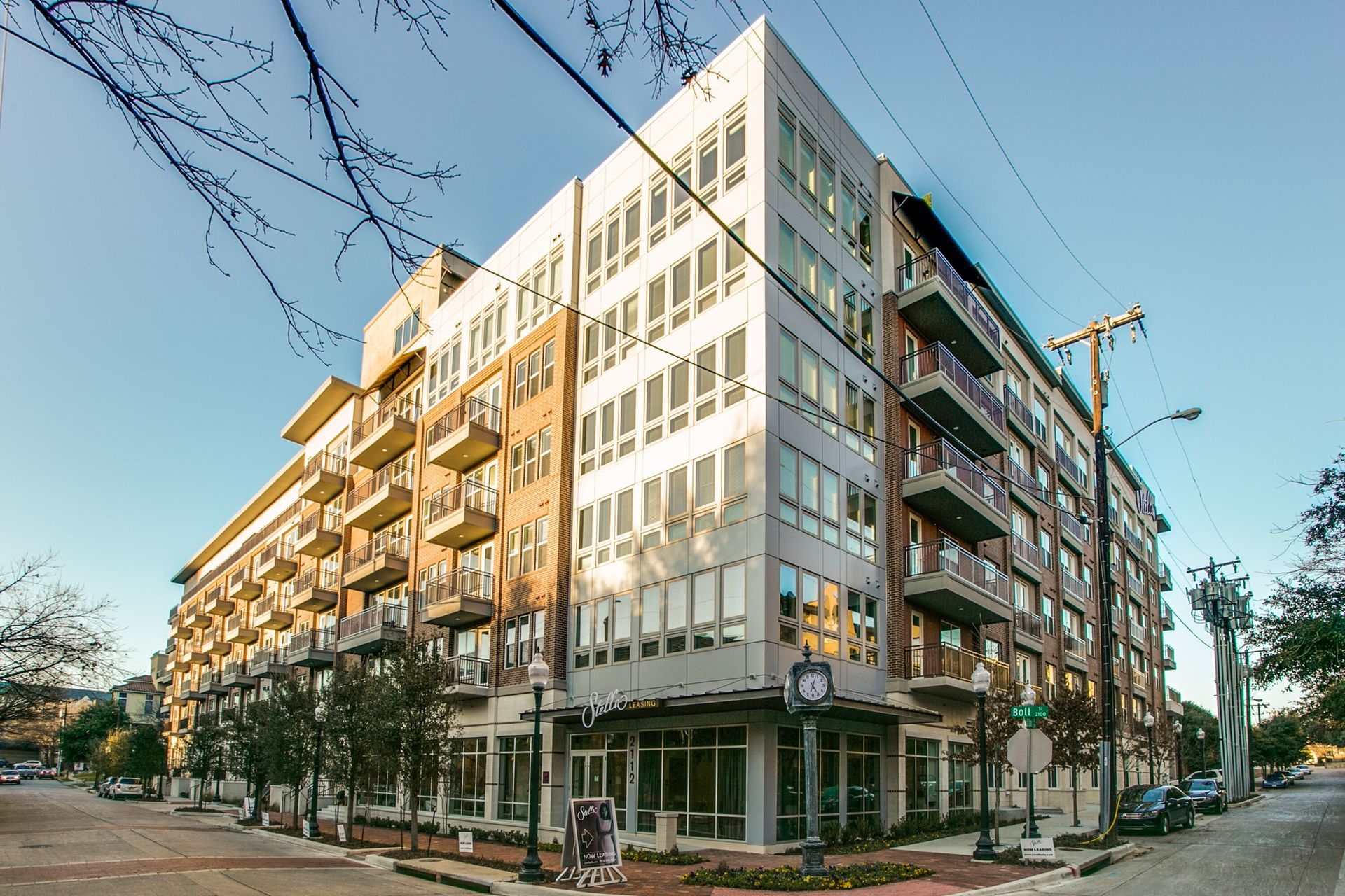 Experience a fusion of luxury and modern living in one and two-bedroom urban apartment residences with designer upgrades, by Hensley Lamkin Rachel.
