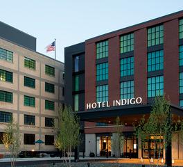 Hotel Exterior Design, Precast Concrete