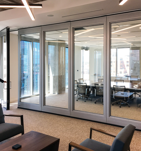 Found in buildings across markets around the world, Hufcor Ultra™ Acoustic GlassWall™ can be configured in many ways to meet your space requirements.  Choose from single or paired panels.  Perhaps add an in-line pass door with locking hardware.  We also offer a wide range of metal and glass surfaces and treatments to compliment any decor.