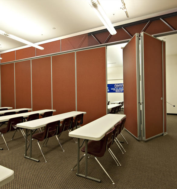 Unispan® is pre-engineered independent support system compatible with Hufcor operable, GlassWall™ or accordion door partitions for quick, easy room division. Unispan® makes flexible space possible by providing added support to spaces that lack the required overhead structural support to carry the weight of operable partitions.