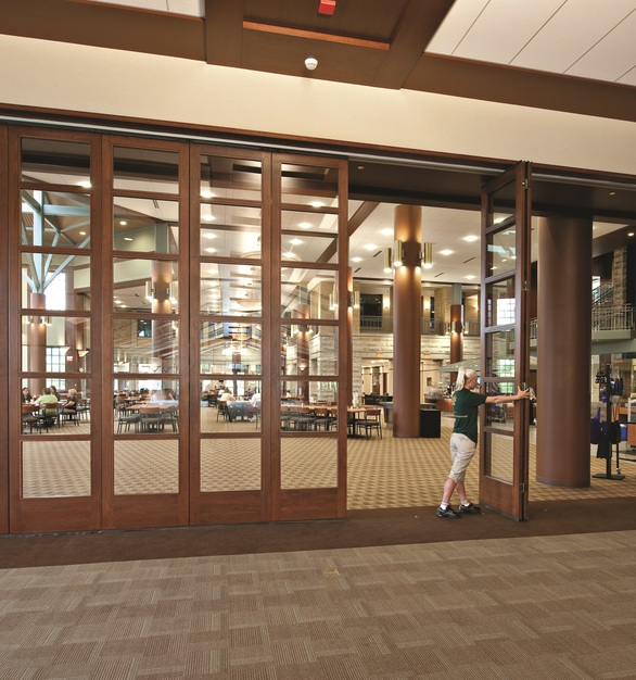 Timberframe™ GlassWall™ can be installed in openings up to 10'2″ (3.1m) high and virtually unlimited width. They can also be installed in existing facilities or new construction.