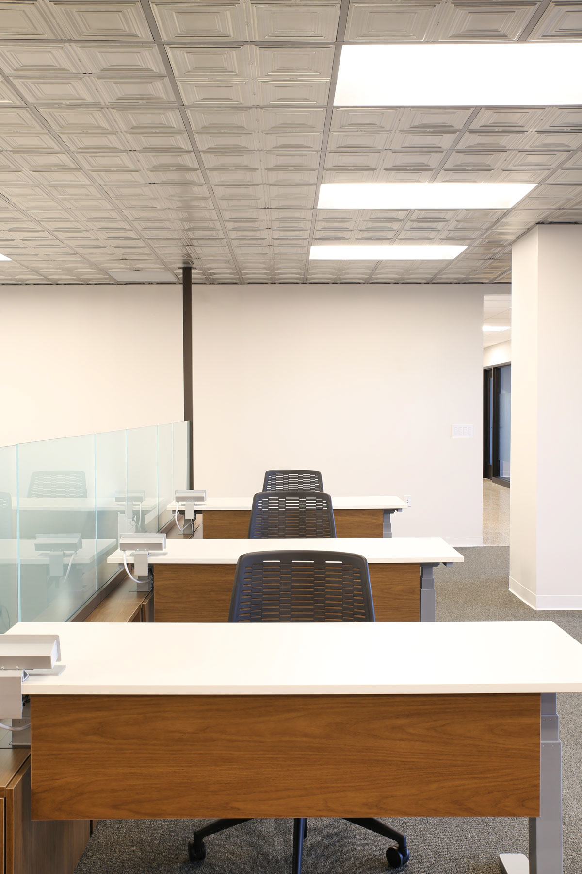 Ample lighting allows for productive and focused work at COCO in Minneapolis, Minnesota, furnished by iSpace Environments.