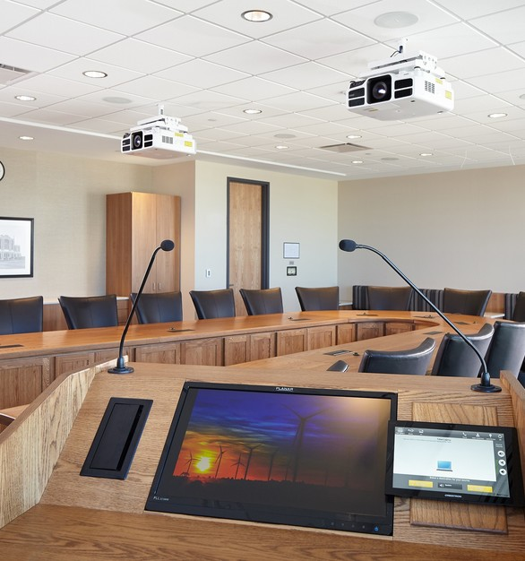 Create efficient meeting spaces with AV solutions through iSpace Environments.