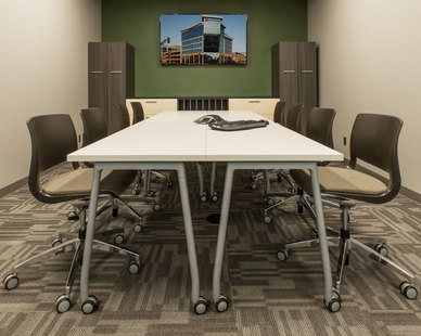 The larger conference room at ISG in Bloomington, Minnesota, furnished by iSpace Environments.