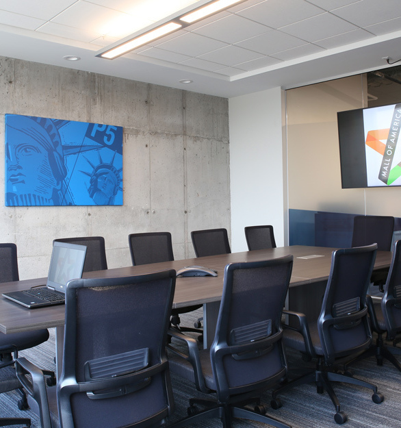 A spacious conference room with the right technological features encourage a positive work environment. This project includes technology and furniture installation by iSpace Environments at the Mall of America in Bloomington, Minnesota.