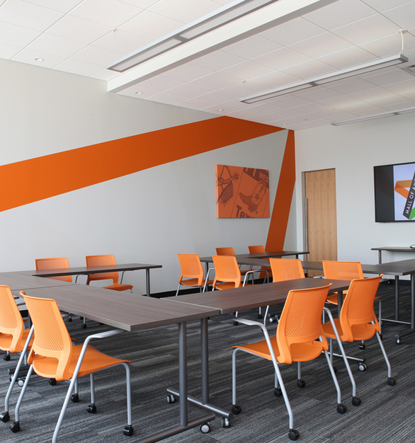 Accessible collaborative spaces are essential for a healthy work environment. This project was furnished by iSpace Environments at the Mall of America in Bloomington, Minnesota.