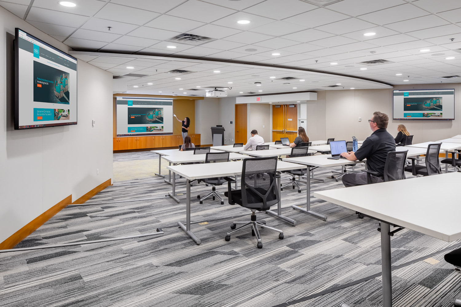 iSpace Environments Tennant Company Eden Prairie Minnesota Office Training Room Seating Desks Wall Mounted Displays Technology Design