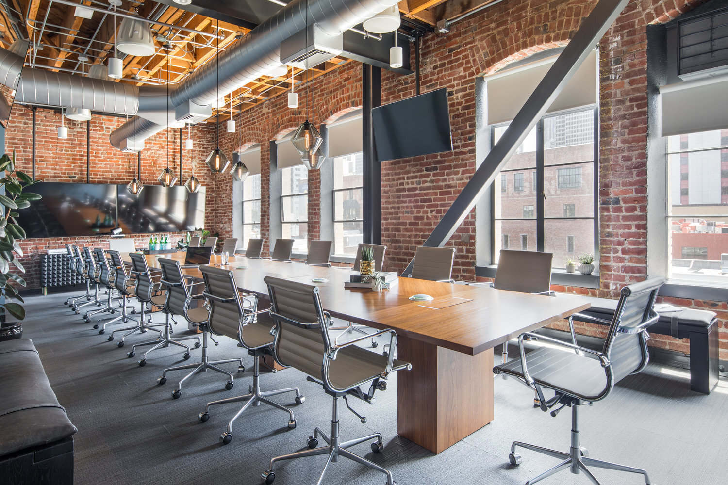 The large and luminous conference room at the Jackson Office Square expansion in San Francisco, California, by Jennifer Tulley Architects.