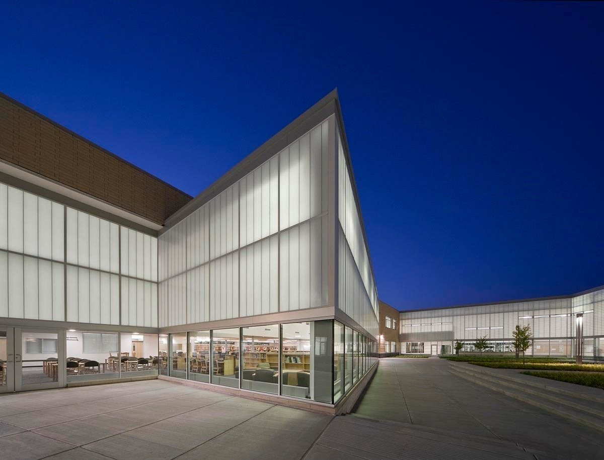 Lighting up Metea in the literal sense comes largely from the extensive use of Kalwall translucent curtain wall throughout the school.  Photo credit: James Steinkamp Photography