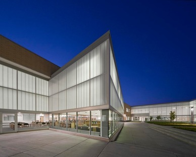 Lighting up Metea in the literal sense comes largely from the extensive use of Kalwall translucent curtain wall throughout the school.