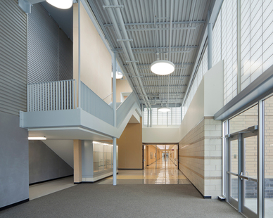 At Metea Valley High School, DLR Group chose to include Verti-kal™, a unique design variation on the standard shoji or square grid layouts of Kalwall Translucent Systems.