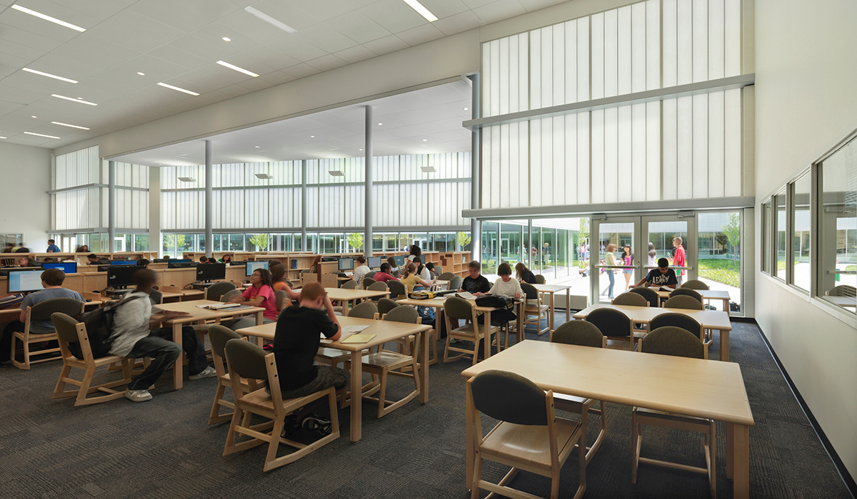 With all Kalwall translucent systems, Verti-kal distributes diffused daylight throughout the school, even on cloudy days, drastically reducing the amount of artificial lighting required and eliminating shadows and glare as well as stark contrasts of light and shade.