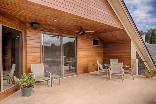 Hilton Head Residence, located in Hilton Head, SC, features the combination of Lamboo® Rainscreen™ - Exterior Siding/Cladding & Lamboo® Rainscreen™ - Soffit.