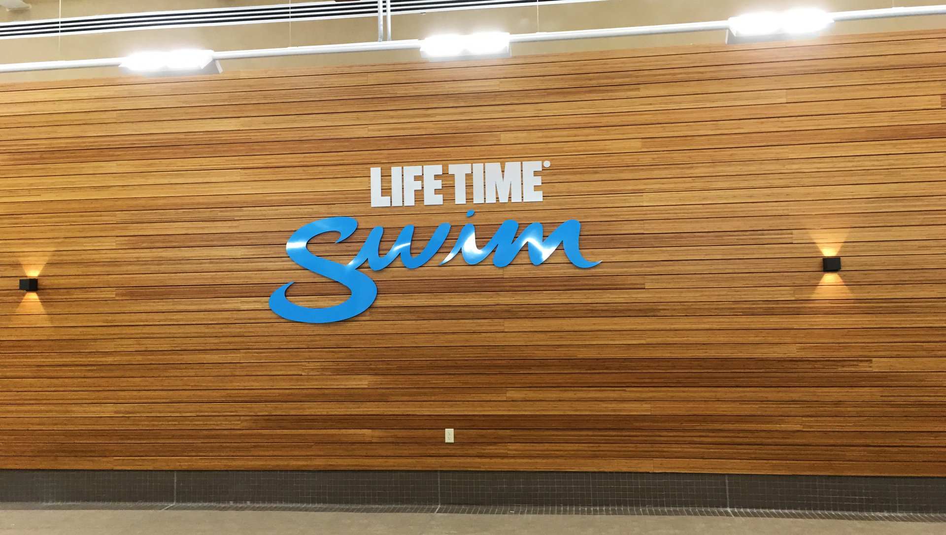 Lifetime Fitness, located in Bridgewater, New Jersey, added a Lamboo® Rainscreen™ - Interior Feature Wall in their final design.