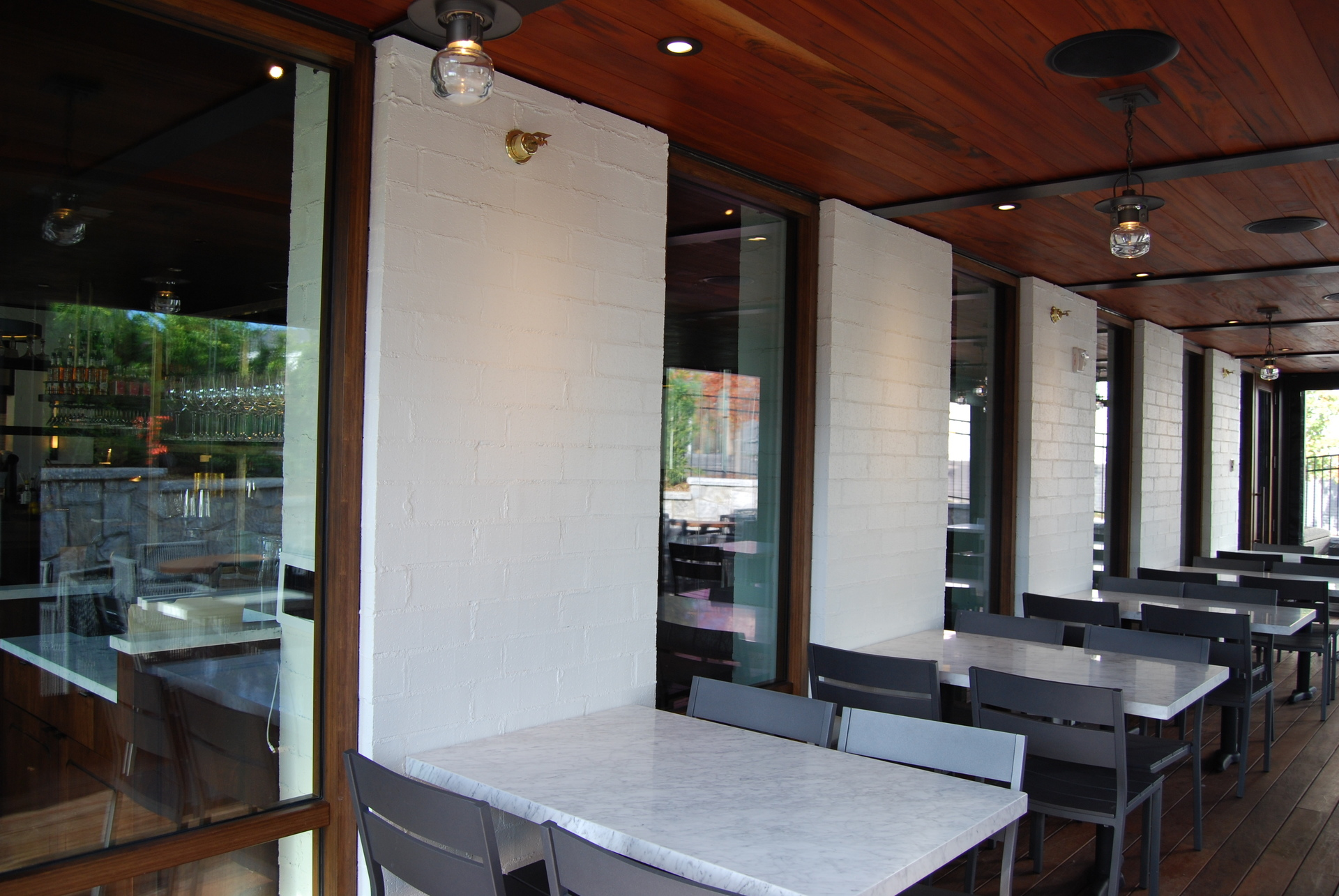 Ecco Restaurant, located in Atlanta, Georgia, integrated Lamboo® Vue™ as well as Lamboo® Glazing™ products throughout their final design.