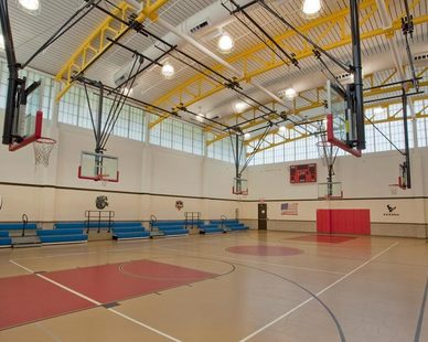 Major Industries Guardian 275® Wall System help flood light into the Boys and Girls Club gymnasium in Houston, Texas.
