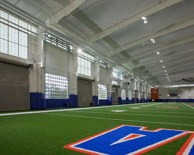 The University of Florida's indoor training facility used Major Industries wall systems to bring exterior lighting inside.