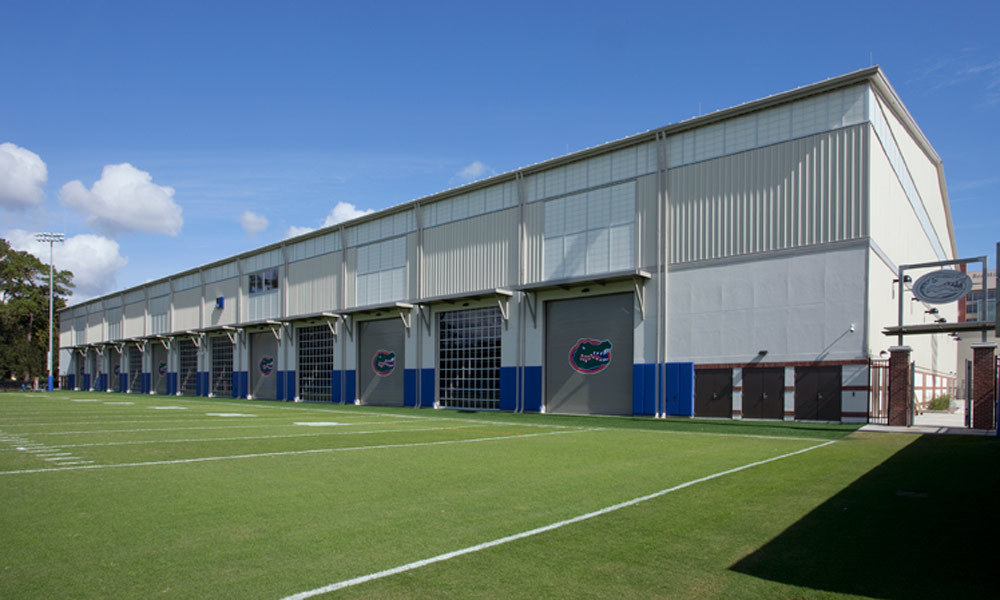 For the University of Florida Indoor Training Facility, natural light was a must being in the sunshine state. Major Industries used their wall systems to bring the outdoors to the inside for athletes training.