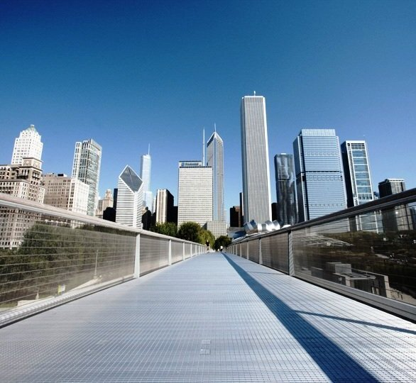 Framed, woven Tigris metal fabric panels used on walkways throughout this museum addition offer safety, security, and elegance. The transparency of the railing infill allows strollers to enjoy uninhibited views of the magnificent Chicago skyline.