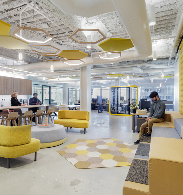 Rooted in their name and their cultural identity is the idea that the 'honeycomb' is nature's best example of a scalable repeatable investment driven by a common goal, and the company wanted this idea to resonate throughout their new workspace. Integrated inside is the Duo 4, seamlessly blending in with this creative and uniquely designed space. The Duo 4 is a direct/indirect pendant with an innovative mounting technology that gives you power and suspension in one.