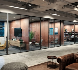 Modernus Lama Glass System Office Space Design