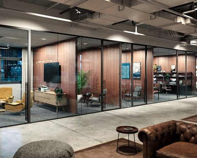 Elevate your office space design with Lama glass systems by Modernus.