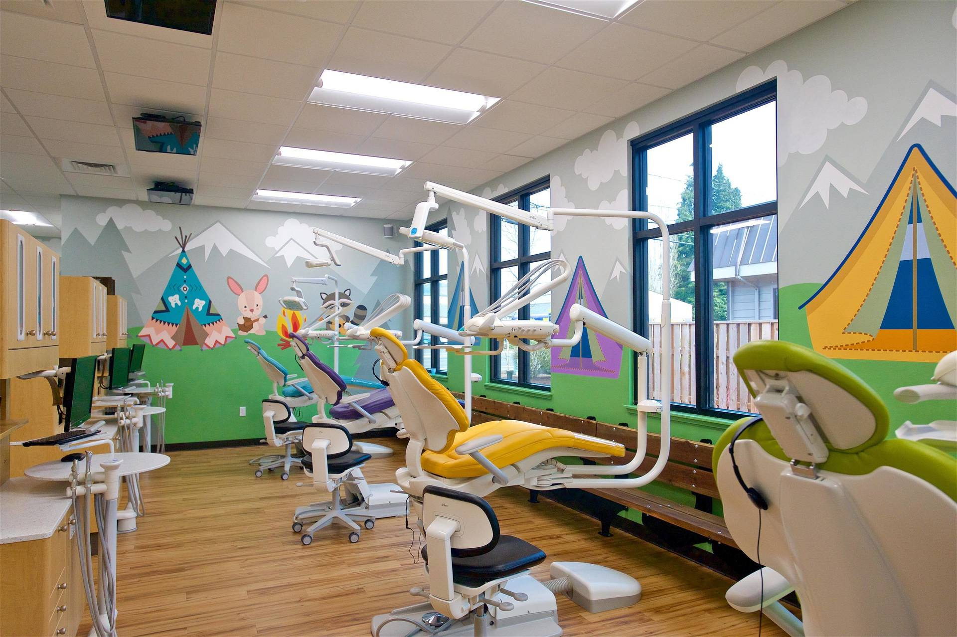 Murals Your Way's dental wallpaper murals are an easy way to create an inviting atmosphere for patients of all ages.