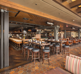 NanaWall Meat on Ocean HSW60 Restaurant Dining Space