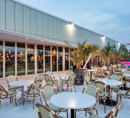 NanaWall SL70 Folding Glass Walls Zona de Cuba Restaurant Outdoor Dining Area Design