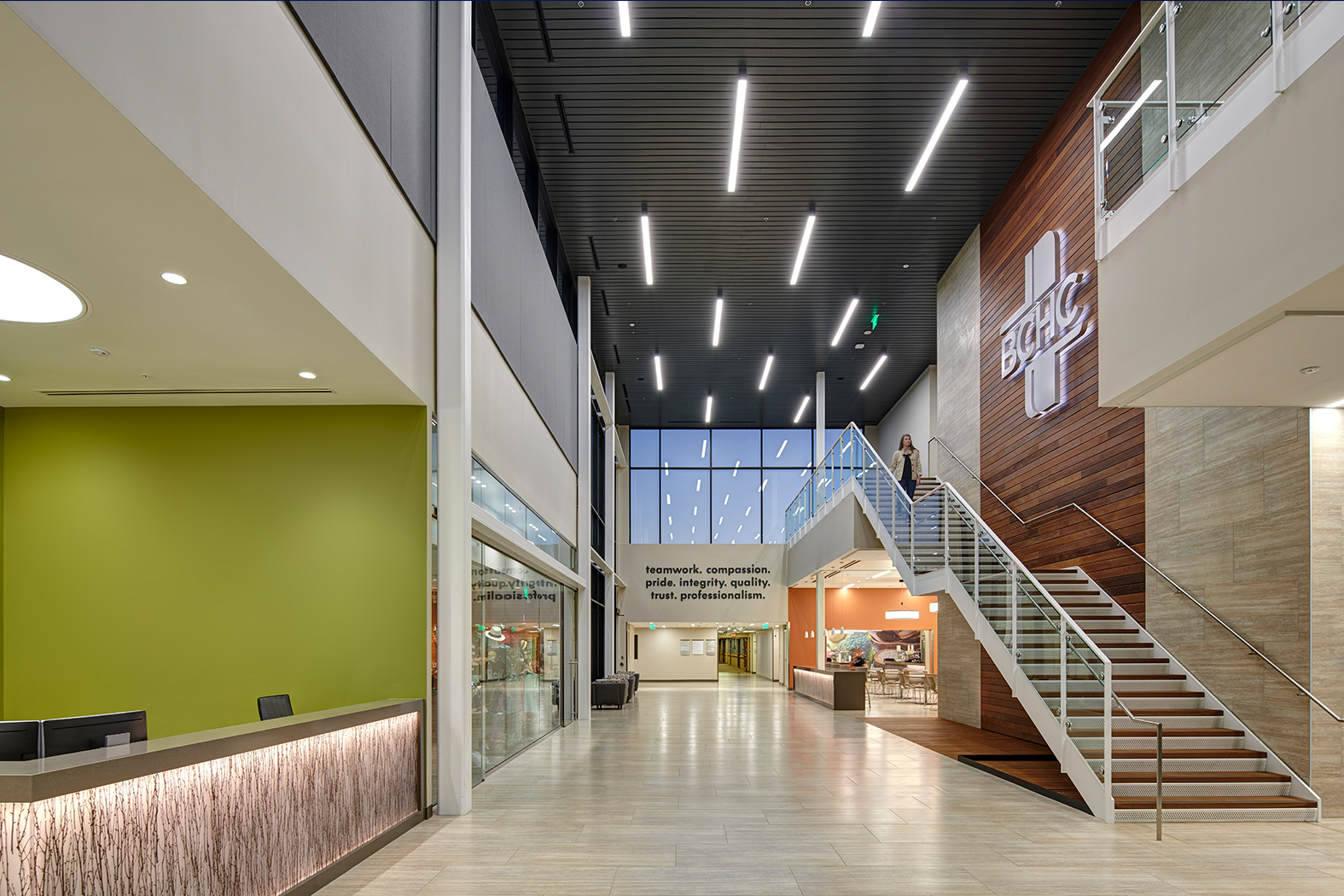 The incorporation of a new and easily accessible lobby allows guests from the community to feel welcomed. The environment emphasizes natural daylight, which promotes healing and nature.