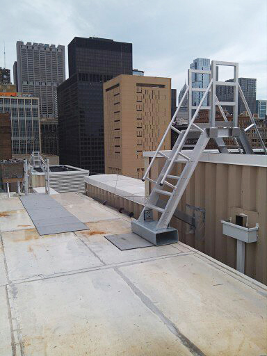 O'Keeffe's model 522 Ship Ladder was installed on the rooftop of a building in Chicago, Illinois.