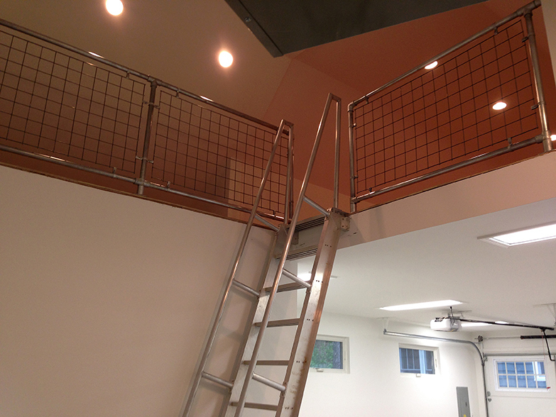 O'Keeffe's Model 522 Ship Ladder provides an easy roof or mezzanine access.