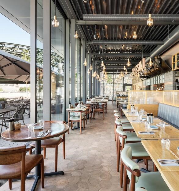 Open Glass Architectural Walls Modern Restaurant Design