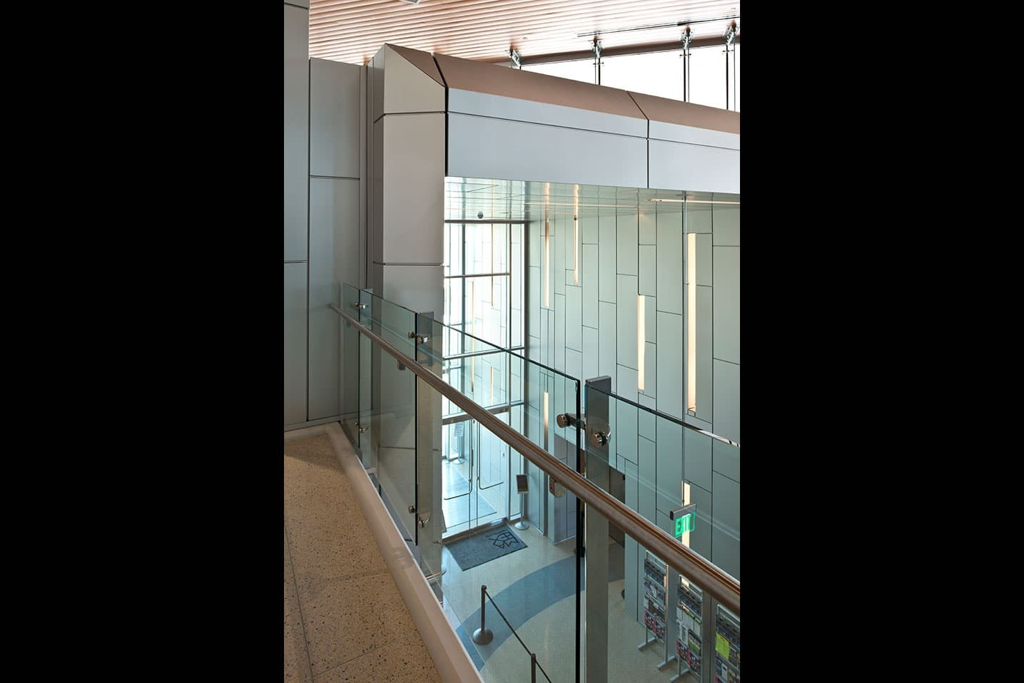 The Mississippi Arts building used Dri-Designs Panels to create a beautiful lobby entrance.