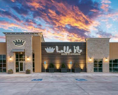 The eye-catching exterior of Hulla B'Lu retail store in Lubbock, Texas, by Parkhill Smith & Cooper.