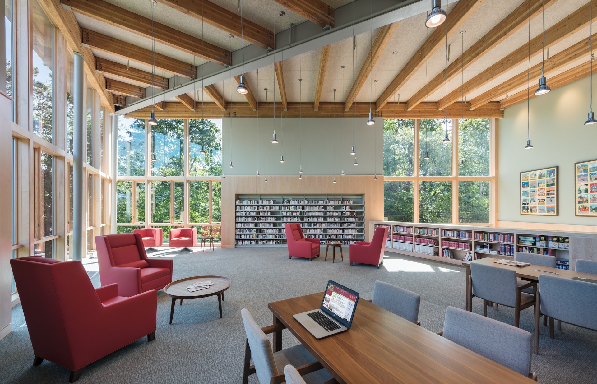 Versatile seating areas are available to everyone at Eastham Public Library. Pella provided their Architect Series® Traditional windows to allow natural light to fill the space as well as give the space a modern clean design.