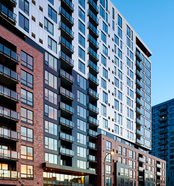 HQ Apartments is a 17-story, 307-unit apartment complex developed and constructed by Kraus-Anderson. The windows throughout the building were provided by Pella, using their Pella® Impervia® windows for its durable and stylish finish.