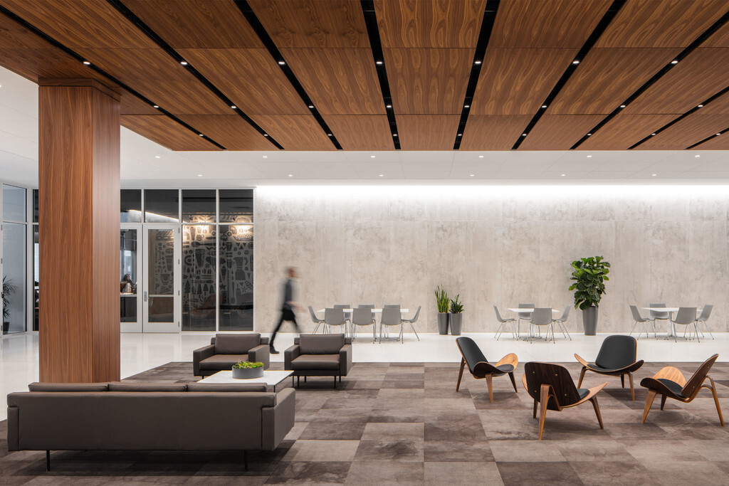 In collaboration with Substance Architecture and JLL, Pigott worked with the FHLB team to identify the types of spaces needed to create the diverse landscape that would support connectivity and employees' work, both alone and in groups.  Photography Credit: Ford & Brown