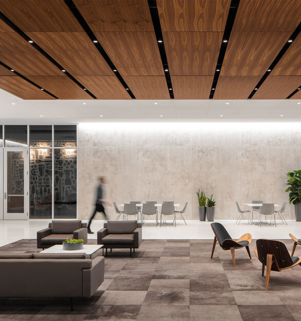 In collaboration with Substance Architecture and JLL, Pigott worked with the FHLB team to identify the types of spaces needed to create the diverse landscape that would support connectivity and employees' work, both alone and in groups.