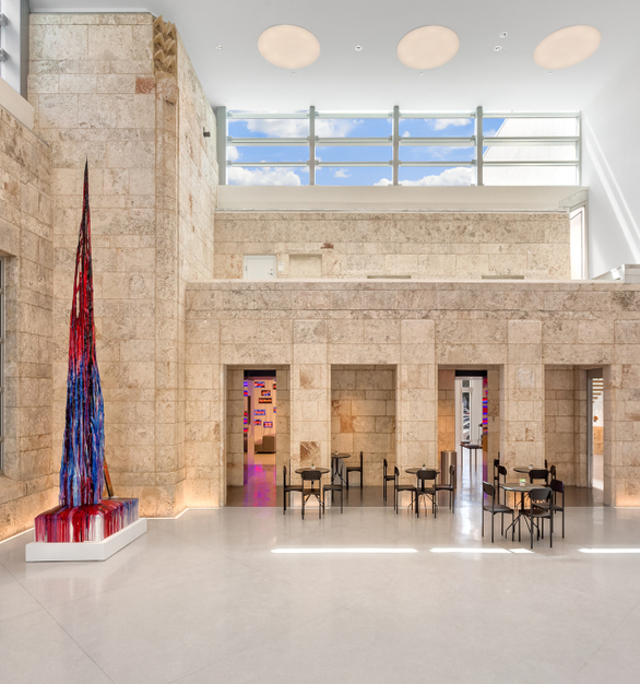 The development of a new courtyard implements Legacy Series RIA in a 3000K high output configuration.  Inlaid into the floor, RIA lights the stone walls of the historic Bass Museum building.