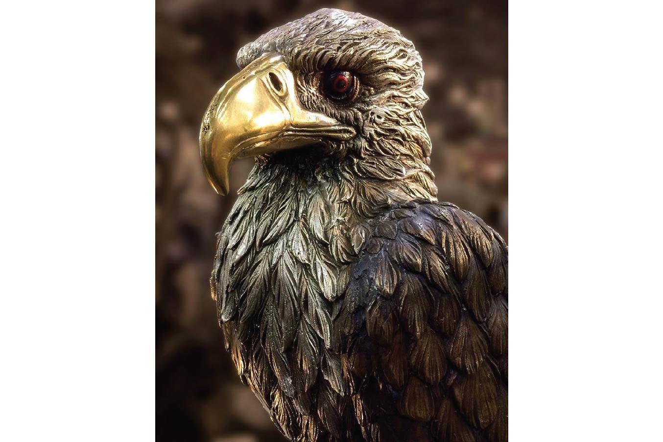 Beautiful Cast Bronze Eagle Sculpture.