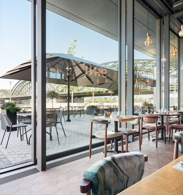 Restaurant Outdoor Seating and Pendant Light Design