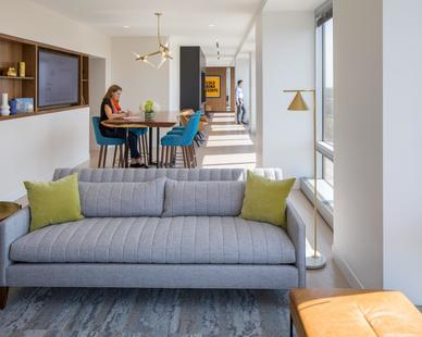 Each of the breakout spaces on the floor is strategically designed to mirror the outdoors. Ample windows brighten the spaces with natural light and provide sweeping 360 views of Minnetonka.