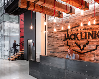 This isn't your typical corporate headquarters. Which is exactly what Jack Link's, the country's leading producer of dried meat snacks, wanted. Leadership was making a bold move – expanding product lines and evolving the brand to capture new consumers looking for high protein/low fat snack options. The company's new 60,000 SF space located in the heart of Minneapolis' entertainment and sports districts, is one-part corporate HQ, one-part R&D lab and two-parts brand playground.